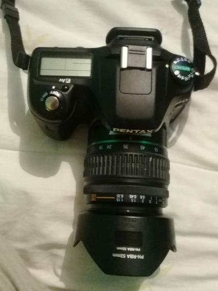 Camara Fotográfica Pentax Con Detalle