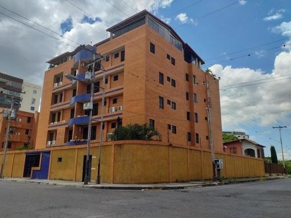 Apartamento En Venta. Maracay. Cod Flex 20-3817 Mg
