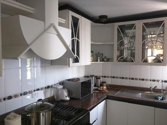 Apartamento Alquiler Ave. Santa Rita Maracaibo Lbbb 30312