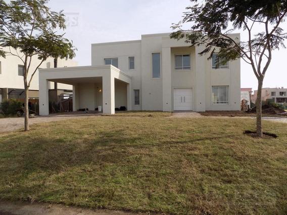 Casa Al Agua 4 Dormitorios En Lagos Del Golf