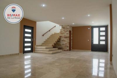 Casa En Venta El Roble Residencial, Recamara En Planta Baja, Frente Colegio Rex