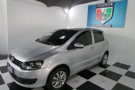 Volkswagen Fox 2011 1.0 8v Flex 4p Completo