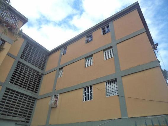 Apartamento En Venta Patarata , Lara