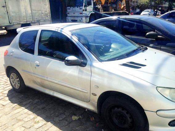 Peugeot 206 1.6 8v Ano 2000 Gnv/gasolina.