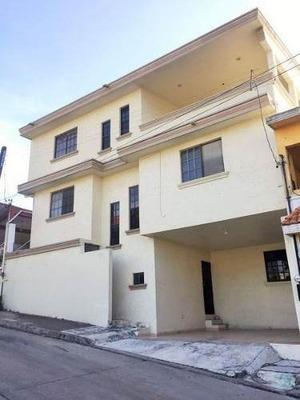 Casa En Venta Col. Universidad Sur, Tampico, Tam.