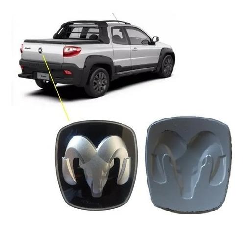 Imagem 1 de 1 de Aplique Traseiro Símbolo Dodge Ram P/ Strada Fiat 2010 Novo