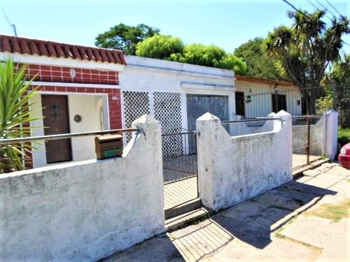 Imagen 1 de 14 de Casa 2 Dormitorios Jardin Fondo Garage 0portunidad
