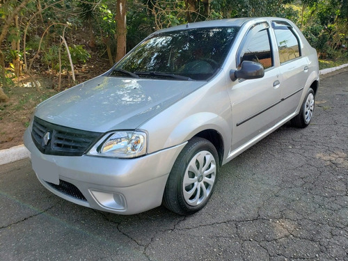 Imagem 1 de 12 de Renault Logan Expression 1.6 Completo 2009