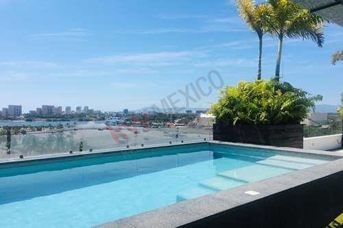 Céntrico Departamento En Renta En Condominio Vivero, Puerto Vallarta Con Alberca En Roof Garden. Ubicación Céntrica.