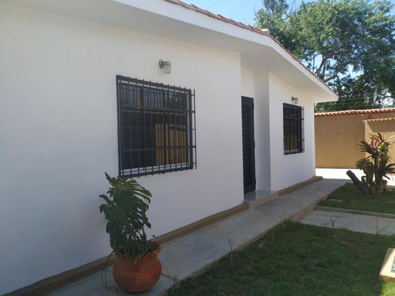 Mh Casa En Venta Trigal Norte Calle Cerrada