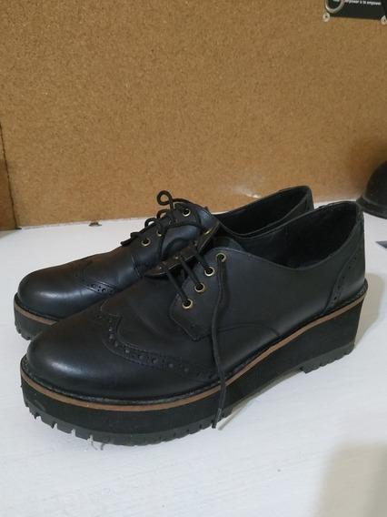 Zapato Negro Plataforma Cuero Lucerna Talle 40