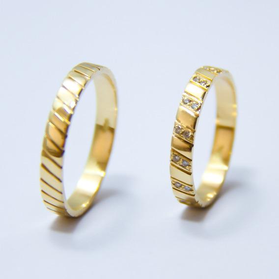 Par De Aliança Em Ouro Com Diamantes