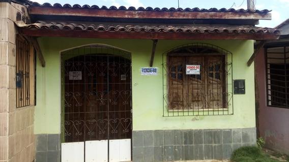 Casa Com 2 Quarto 1 Sala Cozinha Banheiro E Area De Servico