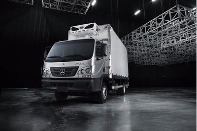 Camion Accelo 815 Mercedes Benz 0km