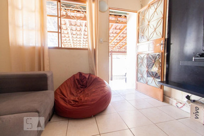 Casa Com 2 Dormitórios E 2 Garagens - Id: 892918844 - 218844