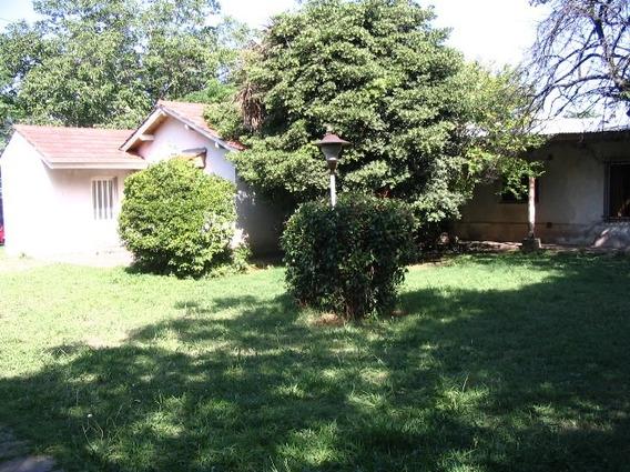Casa En Burzaco, Con 3 Dormitorios. Sobre 1500 M2