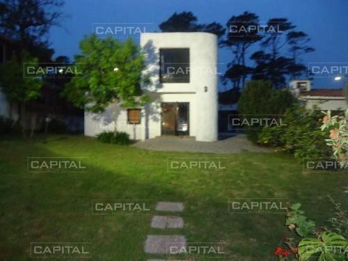 Casa En Mansa, 4 Dormitorios *- Ref: 25319