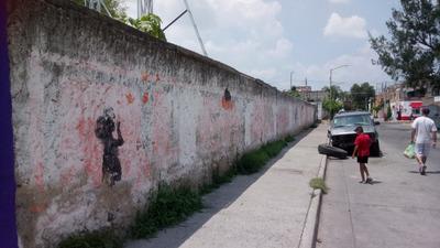 Terreno Bardeado Zona Poblada En Gdl Cerca Mercado