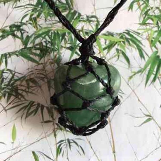 Colar Fio Encerado Preto Quartzo Verde Pedra Castroada