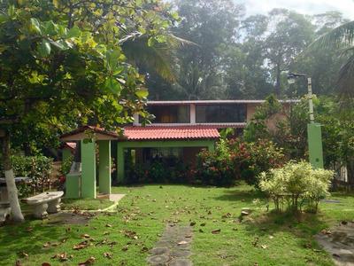 Casa De Playa-tivives