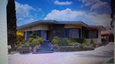 Casa En Venta En El Fraccionamiento Villas Del Meson