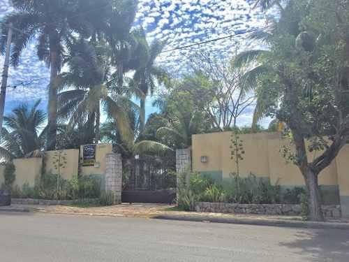 Preciosa Residencia Estilo Hacienda Al Norte De Mérida En La Mejor Zona.