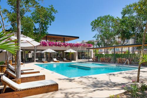 Imagen 1 de 12 de En Venta Hermosa Casa En Playa Del Carmen Con 255m2, A Pocos
