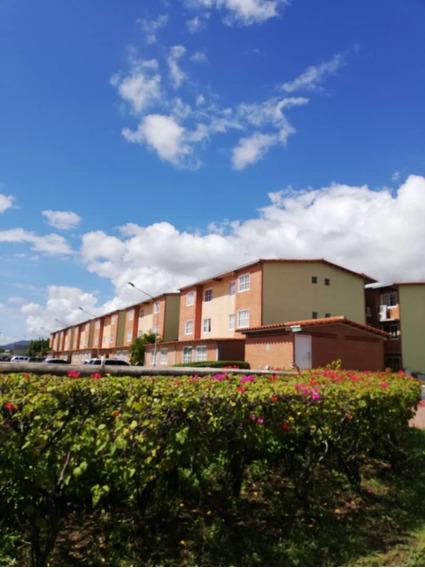 Apartamentos En Venta En La Urb. Alto Grande A2 04241808689
