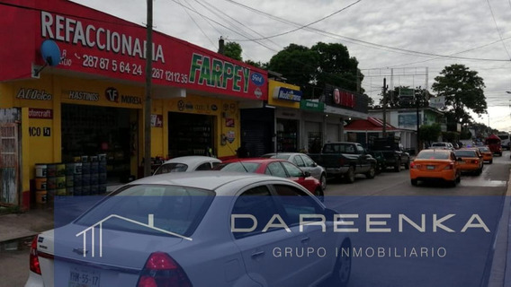 Local - La Piragua