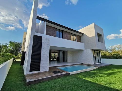 Yucatan Country Club En Venta Moderna Residencia En Privada Oasis (181)
