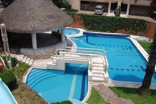 Casa En Venta En Lomas Country Club. En Condominio, Alberca
