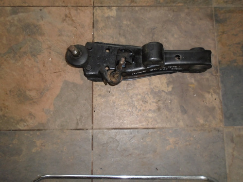 Vendo Brazo Delantero Izquierdo De Toyota Hi Ace, Año 1999