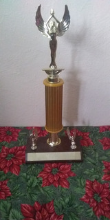 Bello Trofeo Deportivo Mide 35cm
