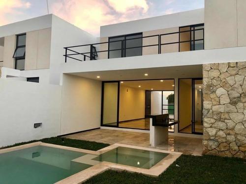Preciosa Casa En Privada En Temozón