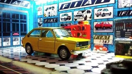 Garage Luminaria Fiat 147 Amarelo. Consulte Cores