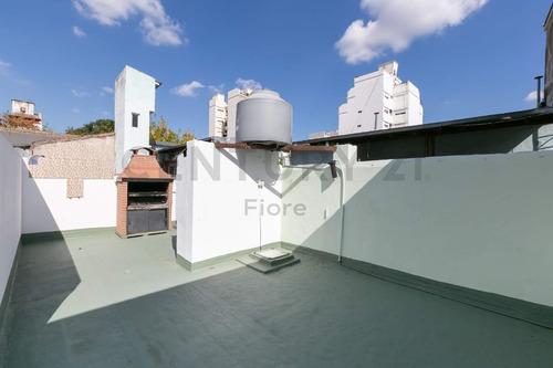 Venta Ph 2 Ambientes Con Patio, Terraza Y Parrilla Propia. Barracas