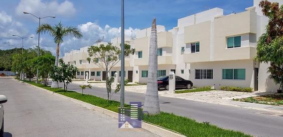Casa En Venta En Playa Del Carmen, Exclusivo Club Incluido