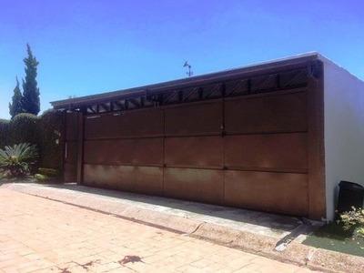 Venta De Casa Con Vista Panorámica, Dentro De Fraccionamiento Con Seguridad