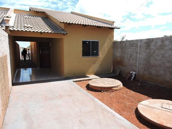 Casa Com 2 Quartos Em Goianira - V-23499