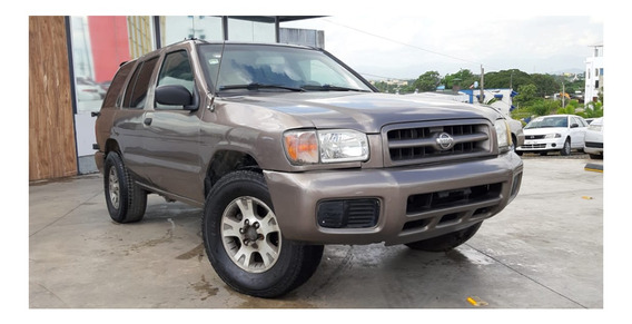Nissan Pathfinder 2001 Dorado 4 Puertas
