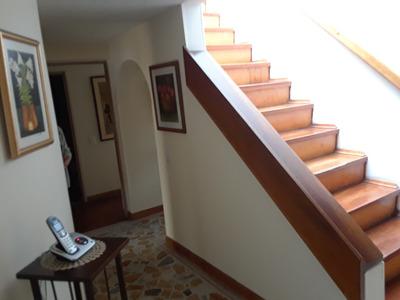 Casa En Santa Paula 251m 4 Alcobas