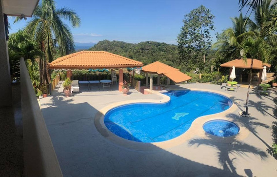 Casa Con Piscina Totalmente Amueblada Punta Leona