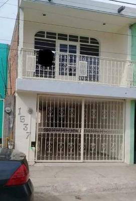 Casa En Venta Jardines Del Sur $998,000