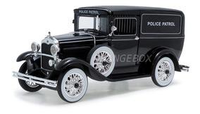 Ford Panel 1931 Police Wagon 1:18 Signature 18143-preto
