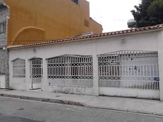 Se Vende Comoda Casa, Ubicado En La Coromoto, 04128921943