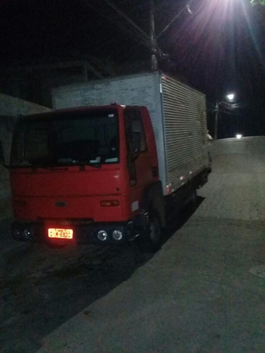 Ford Cargo 815s  815s