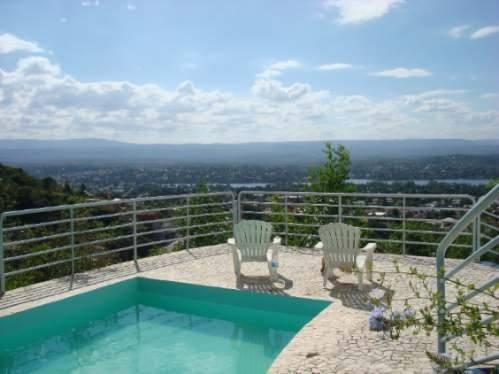 Imagen 1 de 10 de Espectacular Casa En Villa Carlos Paz Excelente Ubicación!!!