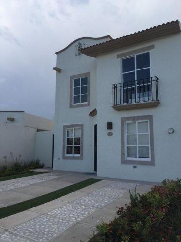 Casa En Renta Cond Paseo Santorini, Refugio 4a Rec En Pb ***