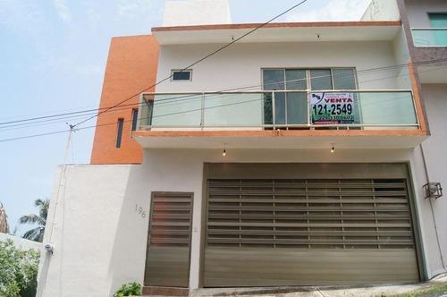 Casa En Venta En Col. Adalberto Tejeda. Boca Del Río, Ver.