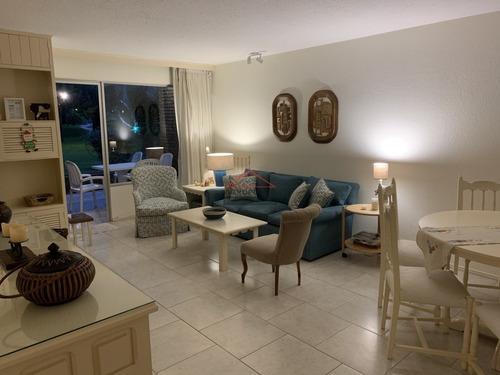 Apartamento En Arcobaleno 2 Dormitorios- Ref: 5541
